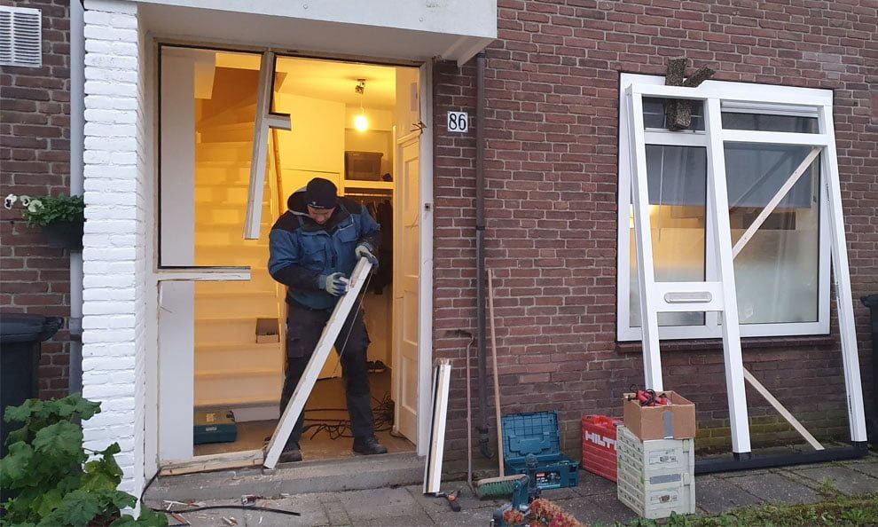 Demontage voordeur en kozijn
